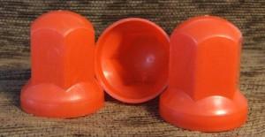Kryt šroubů kol - červená